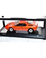 Miniatura legendarnego sportowego BMW M1 skala 1:18 - 80432411549